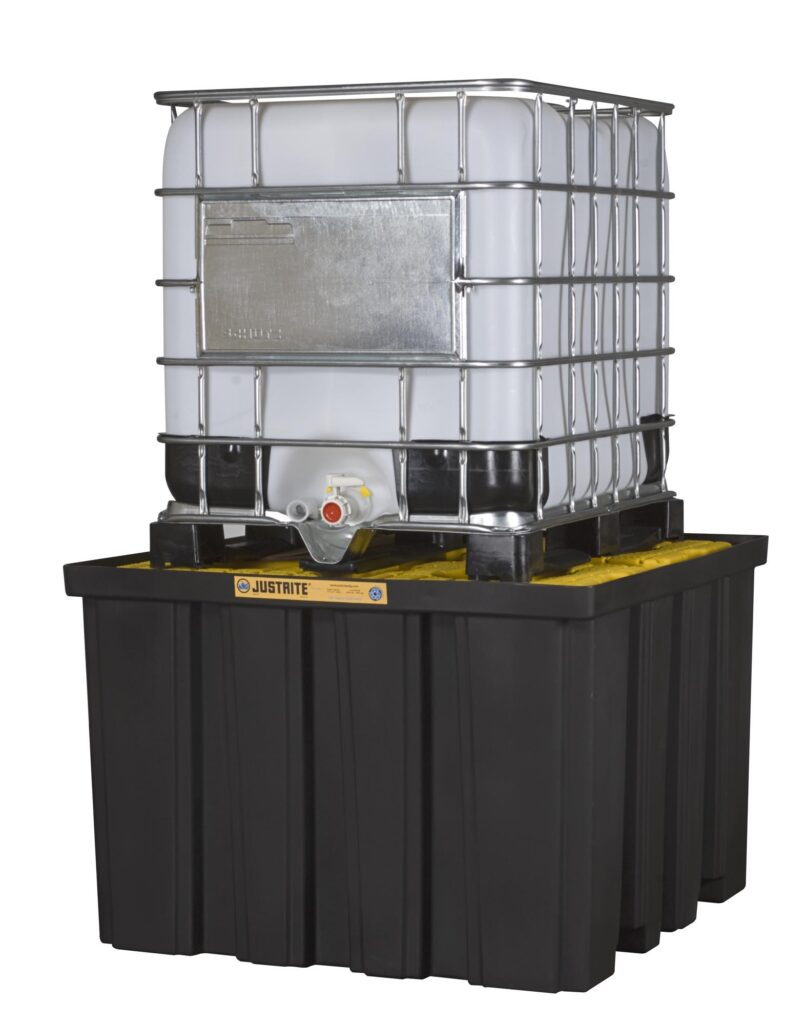 Spill Containment with Palecon 1000L chemical